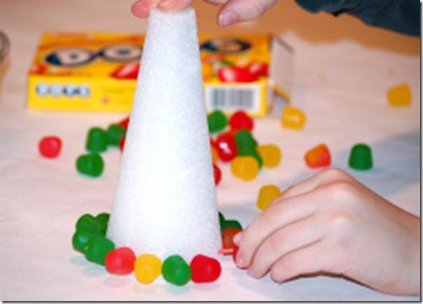 Taller de figuras con gominolas rboles tartas casas - Manualidades con gominolas ...